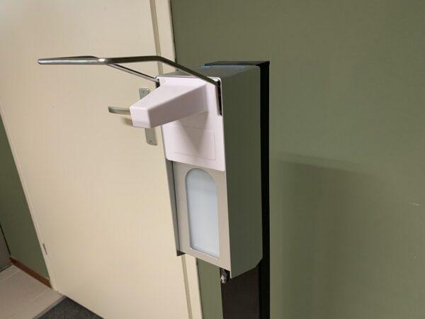 CleanGood elleboog zeepdispenser desinfectiedispenser tbv desinfectiezuil 3
